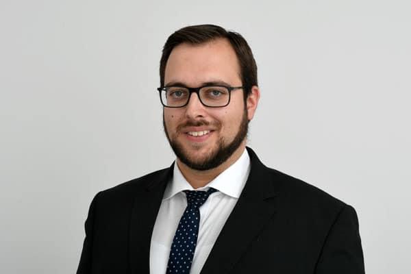 Dennis Küster von der Steuerberatungsgesellschaft Quattek & Partner in Göttingen, Bovenden